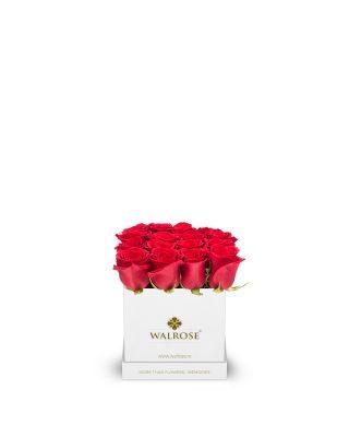 cutie patrata alba trandafiri rosii walrose