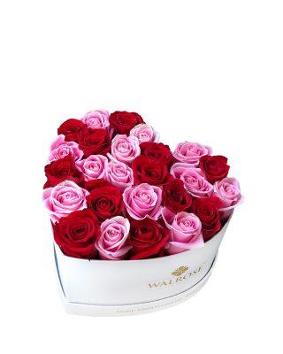 cutie in forma de inima aranjament cadou ziua femeii florarie brasov walrose