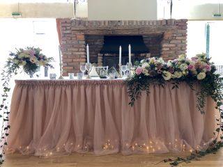 aranjament-floral-nunta-decor-masa-prezidiu-brasov-conac-heldsdorf-walrose-decor-floral