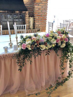 aranjament-floral-nunta-decor-masa-prezidiu-brasov-conac-heldsdorf-walrose-romania